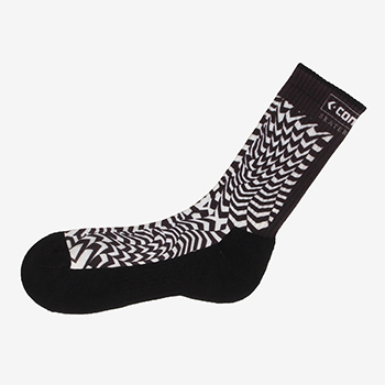 CHEVRON PATTERN SOCKS